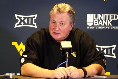No. 12 West Virginia gives Bob Huggins 800th win