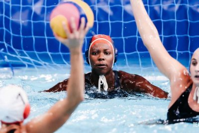 U.S. women's water polo team trounces Canada to advance to semifinals