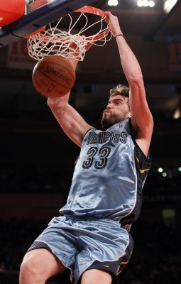 Season over for Memphis' Gasol, Brewer