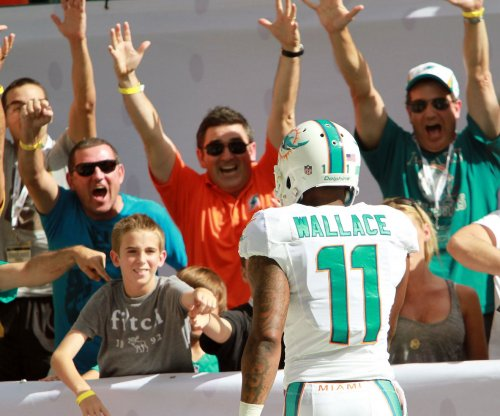 Miami Dolphins trying to trade Mike Wallace