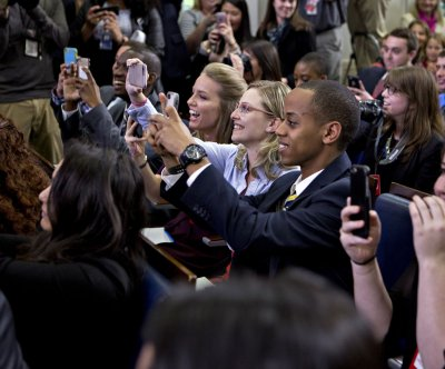 Obama to college journalists: 'Don't let the country down'