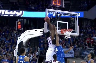 Kansas beats Duke for last spot in Final Four