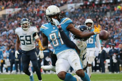 Los Angeles Chargers' Mike Williams named AFC Offensive Player of Week