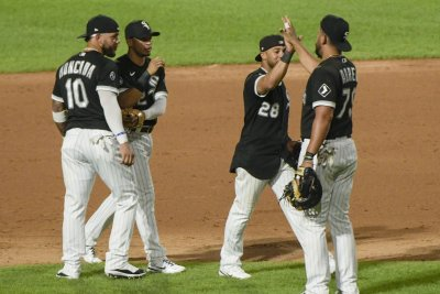 Chicago White Sox beat Cleveland Indians, clinch first AL Central title since 2008