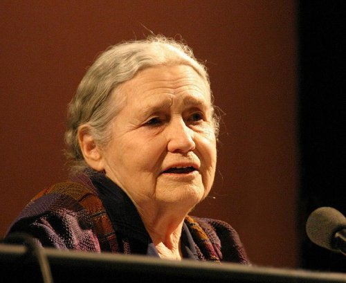 Doris Lessing leaves books to Zimbabwe library