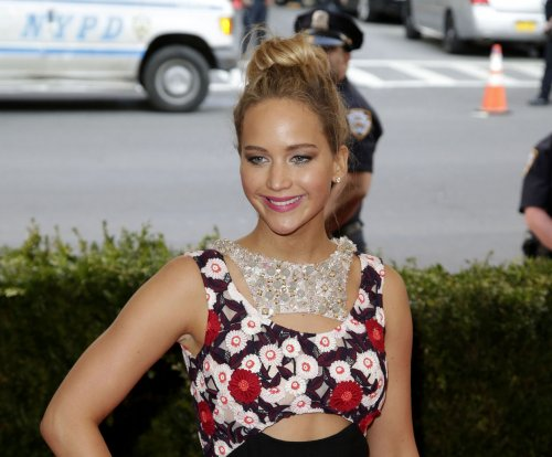Jennifer Lawrence teases new comedy with Amy Schumer, 'I'm a mess'