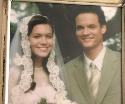Mandy Moore shares sweet photo from 'A Walk to Remember'