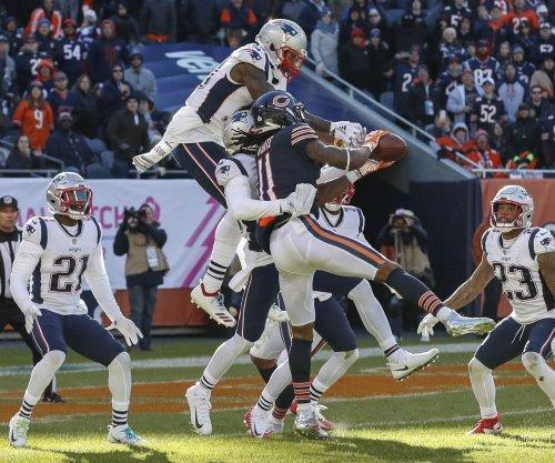 Bears fall yard short of game-tying Hail Mary vs. Patriots