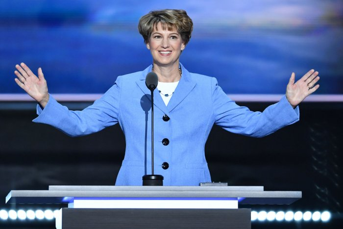 On This Day: Eileen Collins becomes 1st female Space Shuttle commander