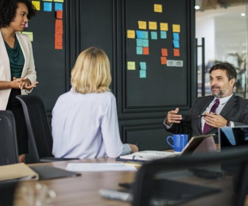 Network-based job recruitment can reduce gender segregation