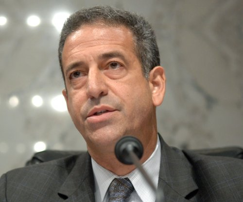Wisconsin's Russ Feingold announces 2016 Senate run