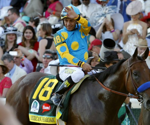 American Pharoah jockey Victor Espinoza to donate Belmont Stakes winnings to cancer charity