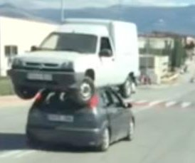 Spanish man stacks van on top of a car