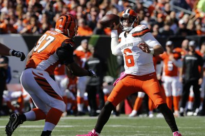 Cleveland Browns QBs Cody Kessler, Brock Osweiler begin early stages of competition