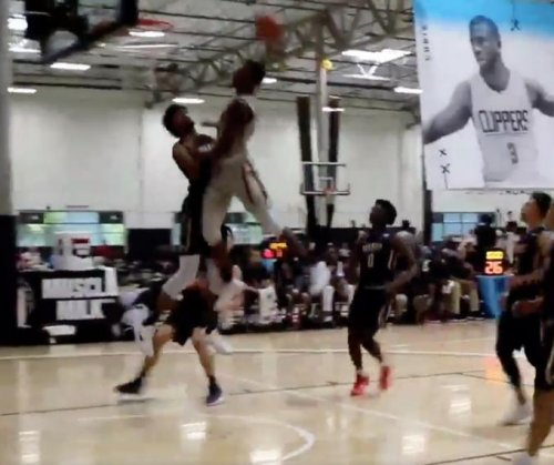 Jay Z's nephew keeps dunking on the top high school recruits