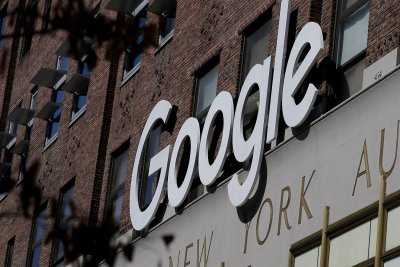 Google limits employees' discussion of politics