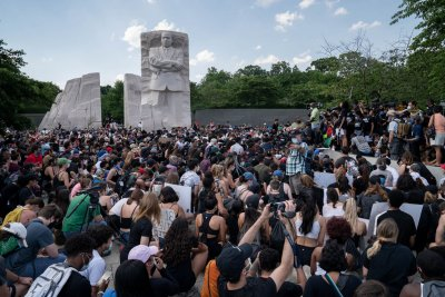 George Floyd protests: D.C. expects major rally; N.Y. officers suspended