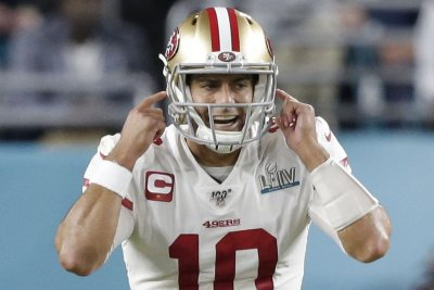 Garoppolo rebounds, leads 49ers over Rams on SNF