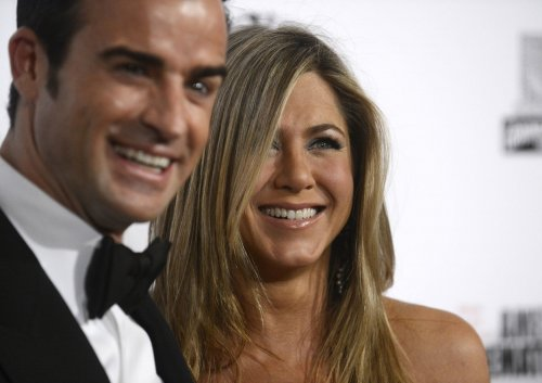 Stylist: Aniston admires Gisele's hair