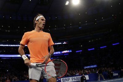 Federer, Nadal advance to Indian Wells QFs