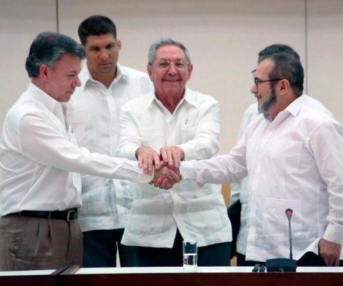 FARC peace in 'final phase' as Colombian presidents clash over deal
