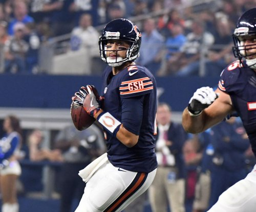 Jordan Howard, Brian Hoyer help Chicago Bears end home hex vs. Detroit Lions
