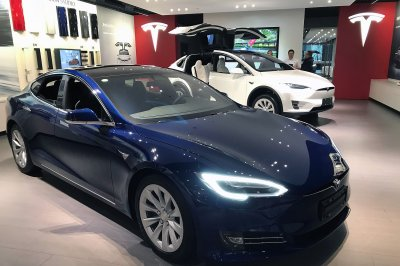 Tesla to taxi, Lyft, Uber drivers: Don't use Superchargers