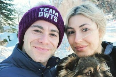 'Dancing with the Stars' pros Sasha Farber, Emma Slater marry