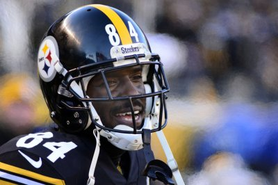Steelers WR Brown is 'full go' for opener