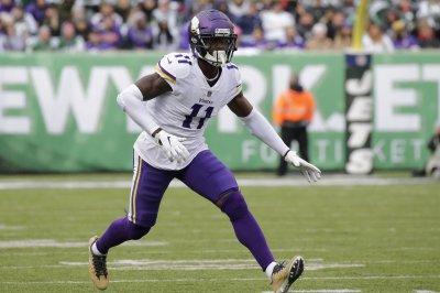 Vikings decline fifth-year option on WR Laquon Treadwell