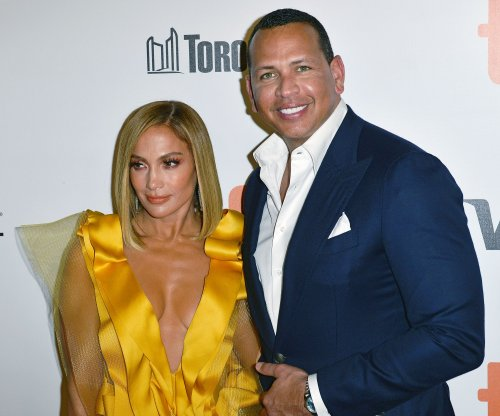 Alex Rodriguez shows proposal to Jennifer Lopez in year-end video