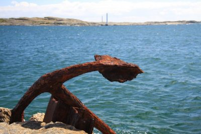 Fisherman off Canadian coast reels in large mystery anchor
