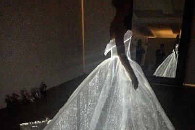 Claire Danes dazzles in glowing Met Gala dress