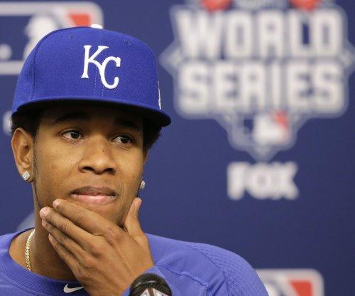 Kansas City Royals pitcher Yordano Ventura robbed as he lay dying at car wreck: report