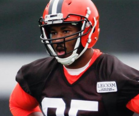 Cleveland Browns top draft pick Myles Garrett limps off after injuring foot during drills
