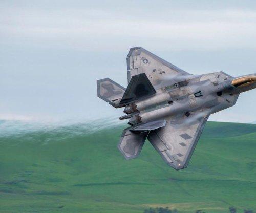 U.S. Air Force testing secure data links between F-22, F-35
