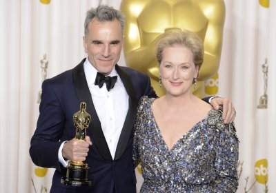 Day-Lewis wins history-making third Best Actor Oscar