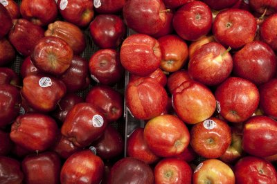 An apple a day to all age 50 and older prevents deaths
