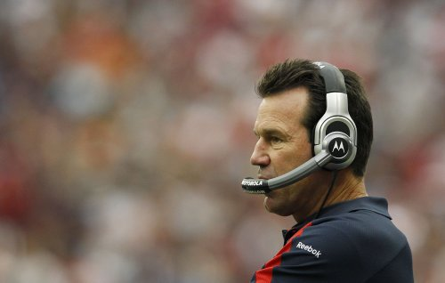 Kubiak, Smith get new deals with Texans