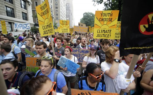 Climate change march attracts hundreds of thousands of New Yorkers and others