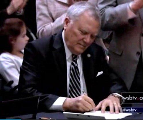 Georgia governor signs bill to legalize medical marijuana