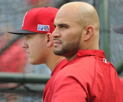 Albret Pujols, C.J. Cron homers leads Los Angeles Angels over Seattle Mariners