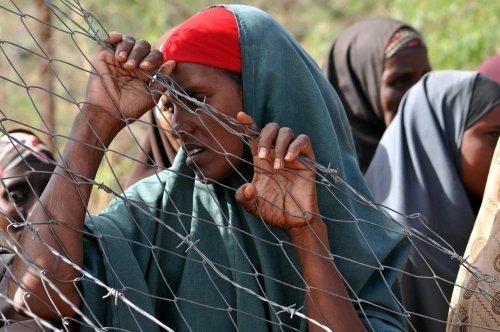 Kenya to close refugee camps, displacing 600,000 people