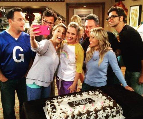 'Fuller House' cast celebrate Andrea Barber's birthday while filming Season 2