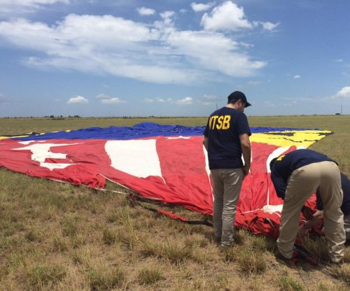 Texas hot-air balloon likely struck power lines, NTSB official says