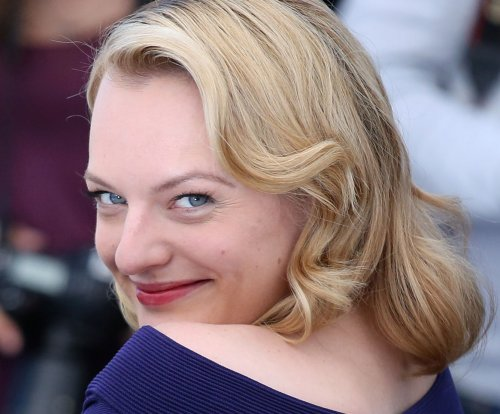 Elisabeth Moss answers fan question about Scientology