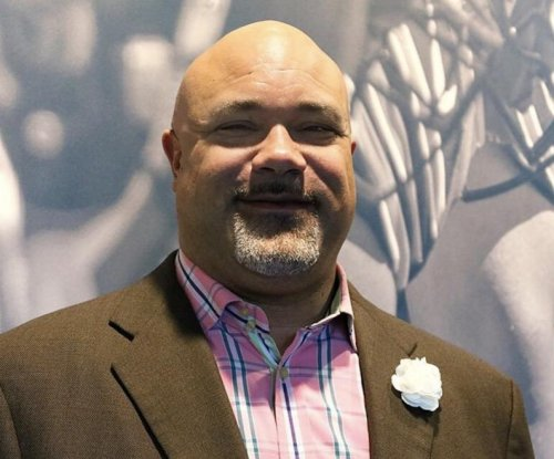 Chris Zorich named AD at Chicago State