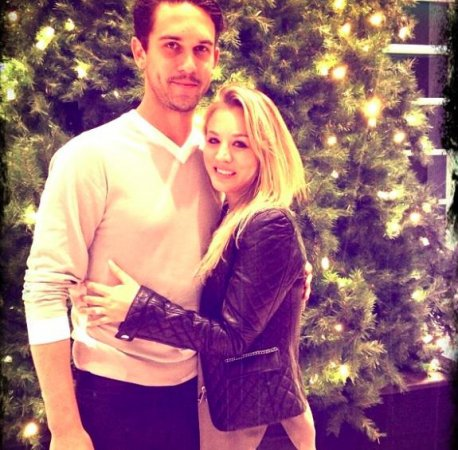 Ryan Sweeting tattooed Kaley Cuoco's name across his arm