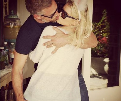 Jessica Simpson shares kiss photo with Eric Johnson