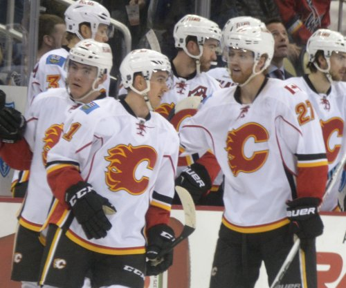 Calgary Flames clinch NHL playoff berth with rout of San Jose Sharks